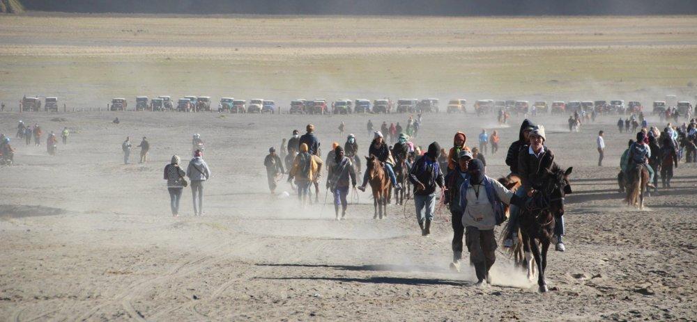 Paarden, natuurlijk tegen betaling van een handvol ruphia, slaan we af. Meermaals!